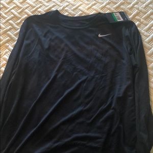 NWT Nike dry fit long sleeved tee shirt